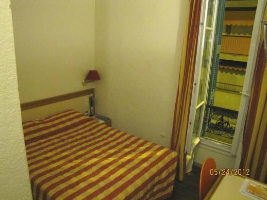 Hotel Dante: cama