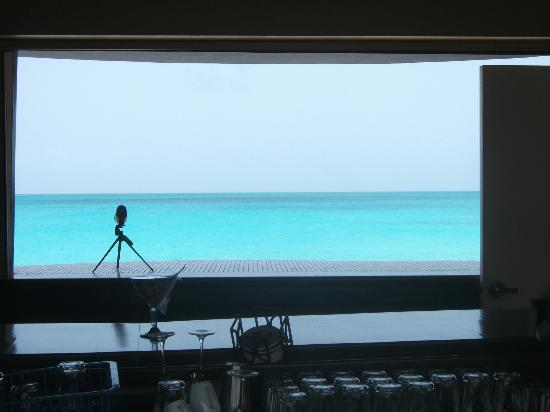 Lighthouse Bay Resort Hotel : view from the bar