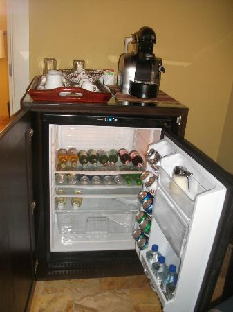 Lighthouse Bay Resort Hotel : mini bar stocked to your liking