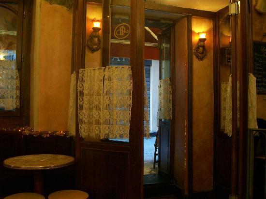 Les Distilleries Ideales: ingresso