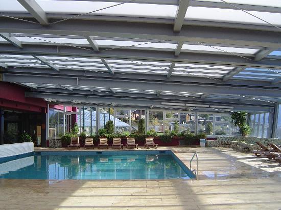 Piscina climatizada picture of cerdanya ecoresort for Piscina climatizada