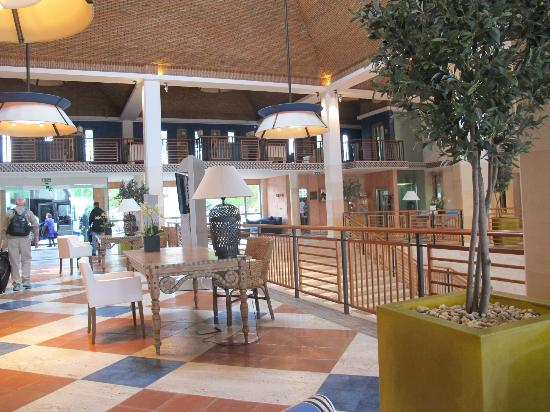 Grande Real Santa Eulalia Resort & Hotel Spa: The hotel lobby