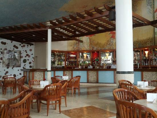 Melia Cayo Coco: The Lobby Bar