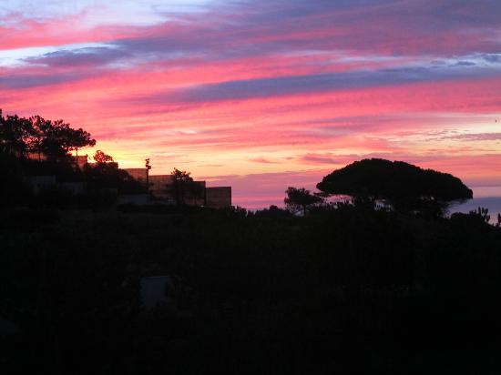 Grande Real Santa Eulália Resort & Hotel Spa: Another glorious Algarvian sunset