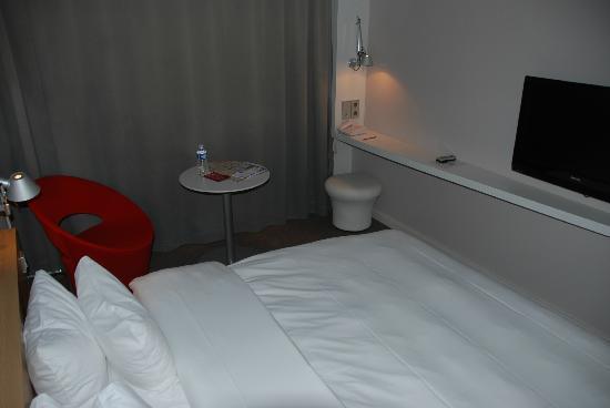 Mercure Nantes Centre Gare : petite chambre