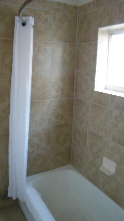 BEST WESTERN Mission Inn : shower