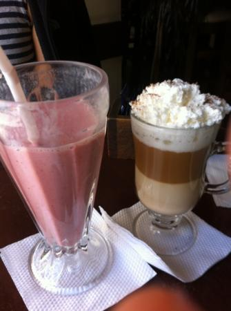 Alexander Coffee: strawberry smoothie and latte