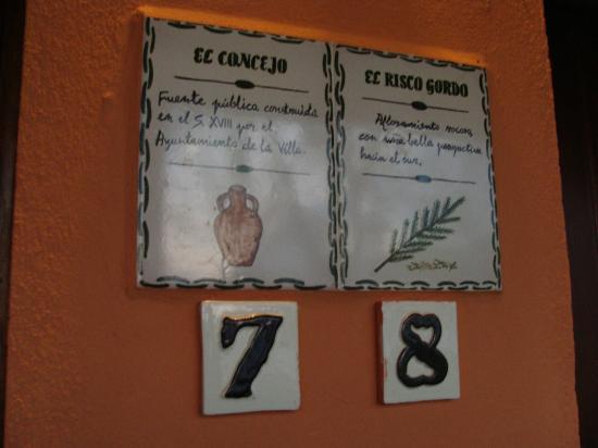 Posada el Camino: Cada habitación lleva una leyenda relacionada con el entorno.