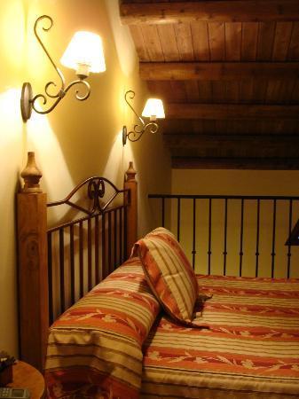 Posada el Camino: Dormitorio en planta alta coqueto