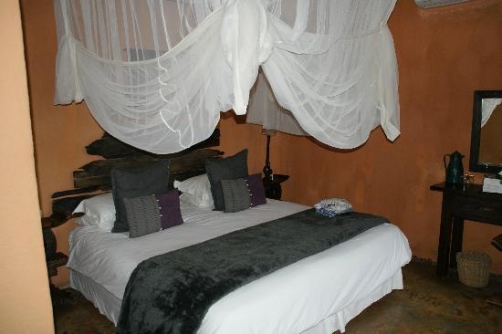 Pondoro Game Lodge: Pondoro Lodge Sleeping Area