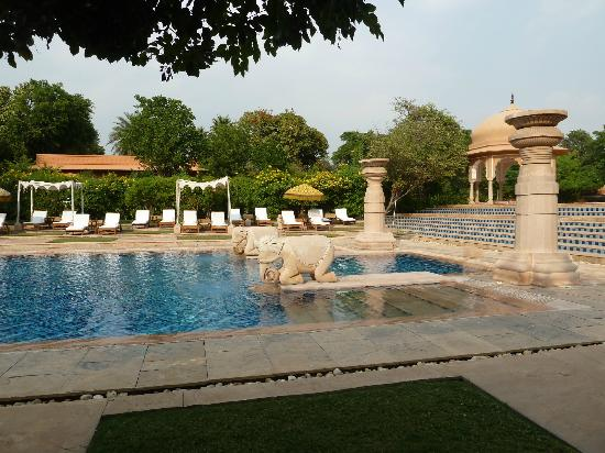 The Oberoi Rajvilas: Pool