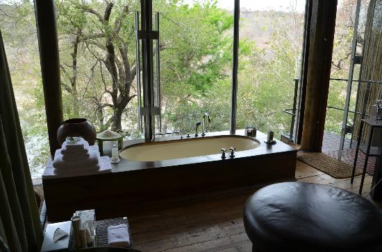 Singita Sweni Lodge: Tub