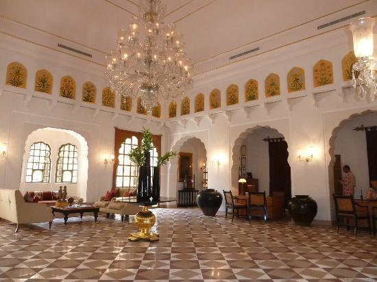The Oberoi Rajvilas: Reception/lobby