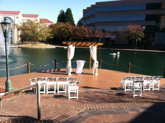 Hilton Charlotte University Place: wedding set up