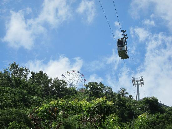 Skyride to Paradise Point: tram 