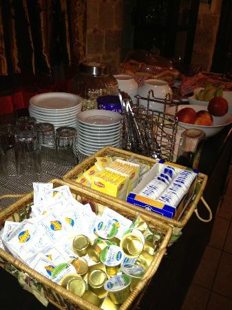 Spot Hotel: Breakfast