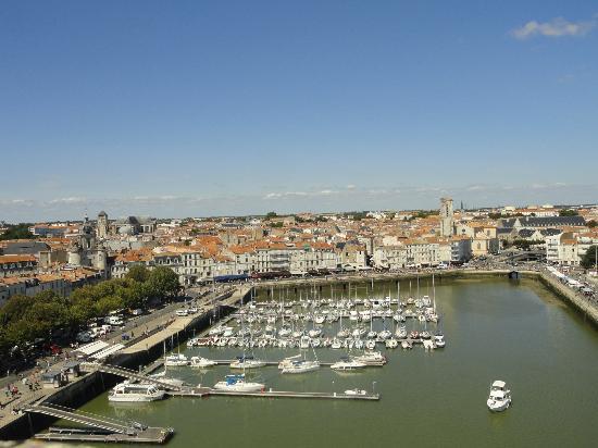 Tour Saint-Nicolas: vue du port