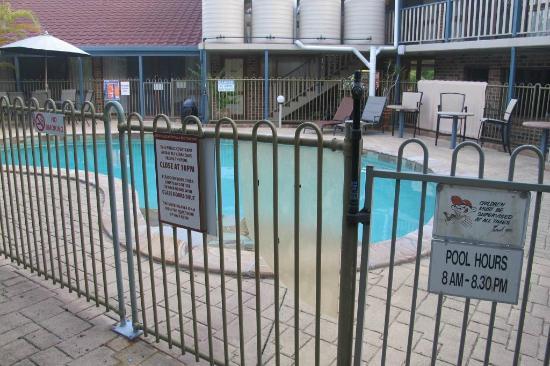 Beenleigh Yatala Motor Inn: pool
