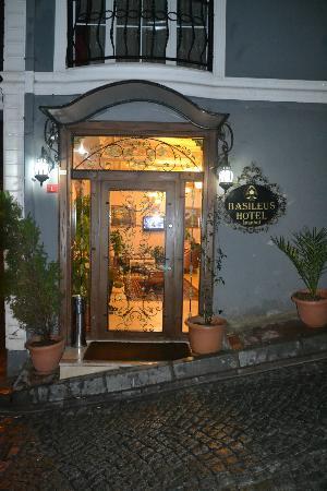 Basileus Otel: Entrance