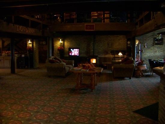 Don Q Inn: Lobby 