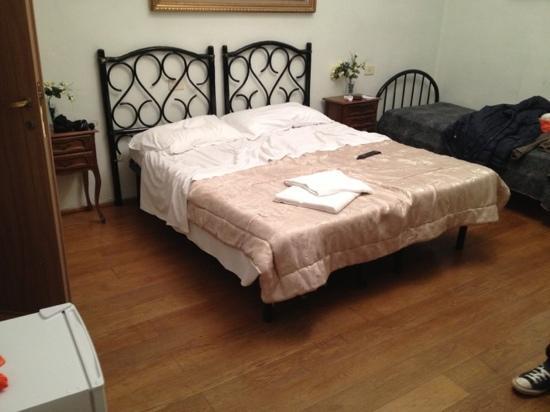 Riverbank Hostel Tintori: la camera