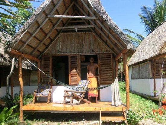 Baobab Beach Backpackers: bungalow