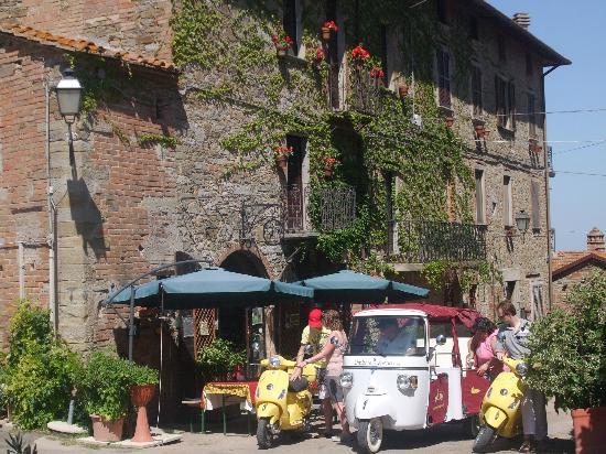 Borgo Cenaioli B/B Locanda & Residence di Campagna: esterno