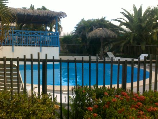 Village Ti Figues: piscine au centre des gites, aucun vis-à-vis