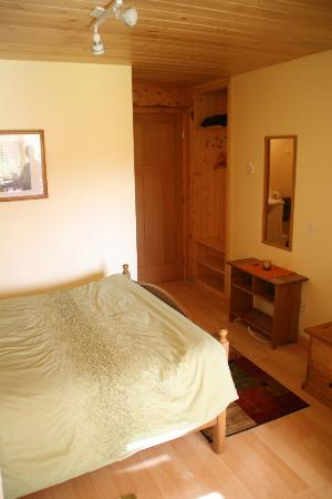 Bearberry Meadows Guest House: room