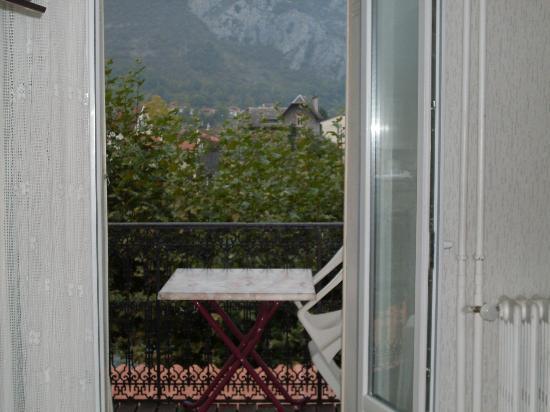 Hostellerie de la Poste: Varanda do apartamento