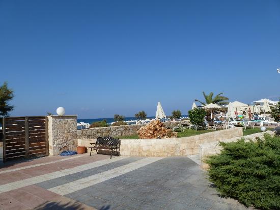 Kosta Mare Palace Hotel: vue de la l hotel vers la mer