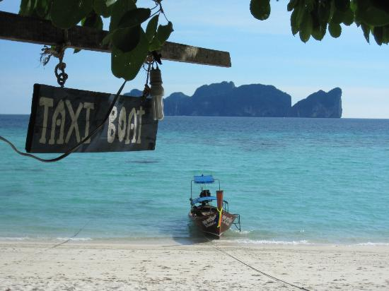 Paradise Resort Phi Phi: Long Tail boat taxis