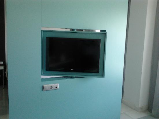 Mercure Algeciras: Televisor