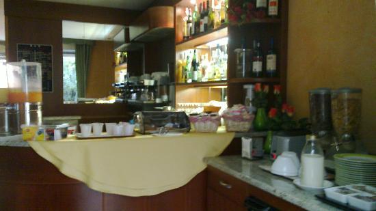 Hotel dore': Le buffet du petit déjeuner...