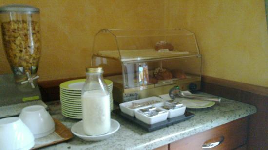 Hotel dore': avec les croissants
