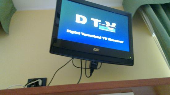 Hotel dore': Une TV qui ne reçoit rien
