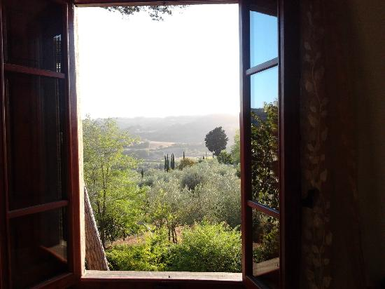 B&B il Giglio Etrusco: View from our bedroom on the 1st floor