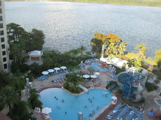 Bay Lake Tower at Disney's Contemporary Resort: Great view from 12th floor balcony!