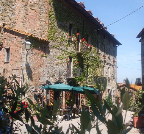 Borgo Cenaioli B/B Locanda & Residence di Campagna: facciata esterna