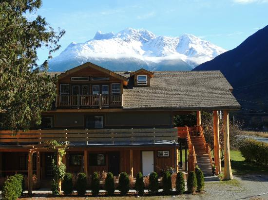 Bella Coola Mountain lodge setting in Bella Coola Valley