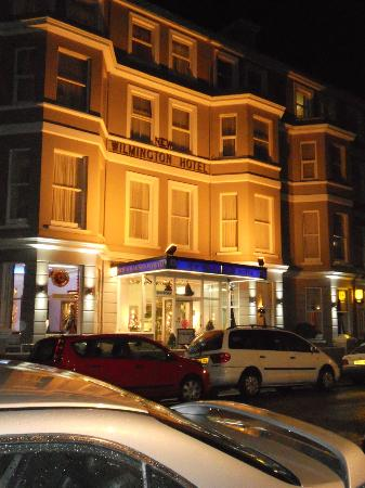 New Wilmington Hotel: Front of Hotel