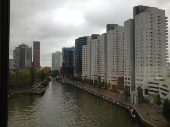 Inntel Hotels Rotterdam Centre: View from room