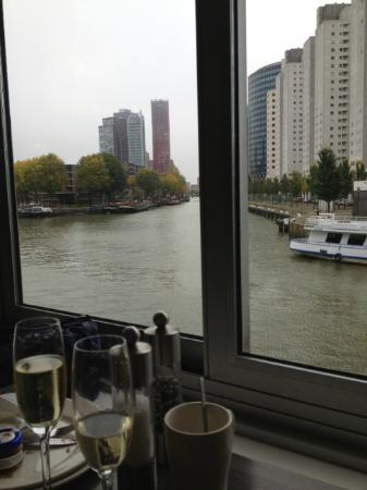Inntel Hotels Rotterdam Centre: Breakfast with bubbles