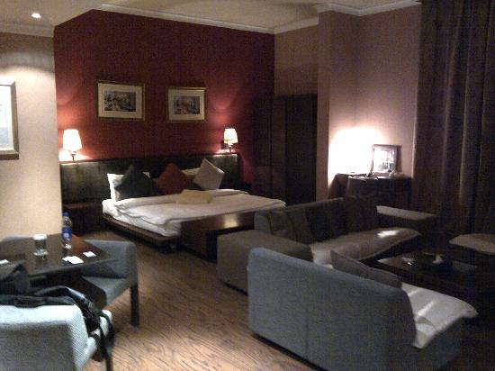 Hawthorn Hotel & Suites Hawally Kuwait: Habitación