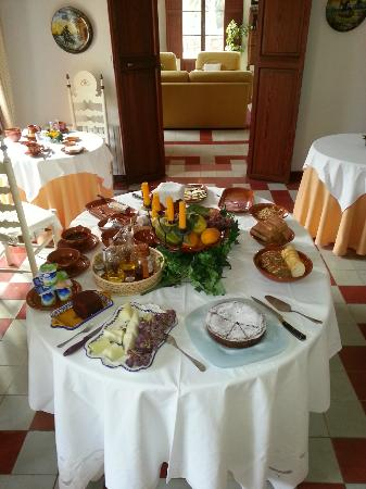 Agroturisme Finca Sa Maniga: Delicious breakfast