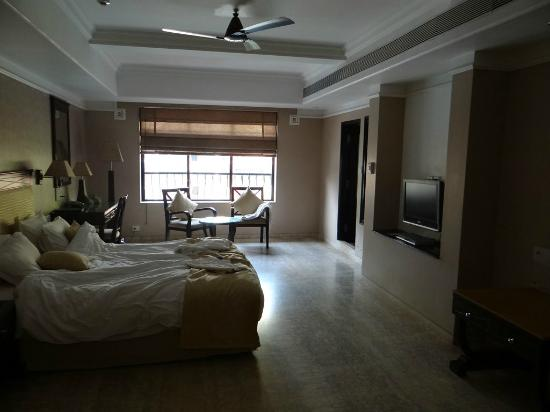 10 Calangute: View of the room... <Just when you enter the Door.. Majorda>