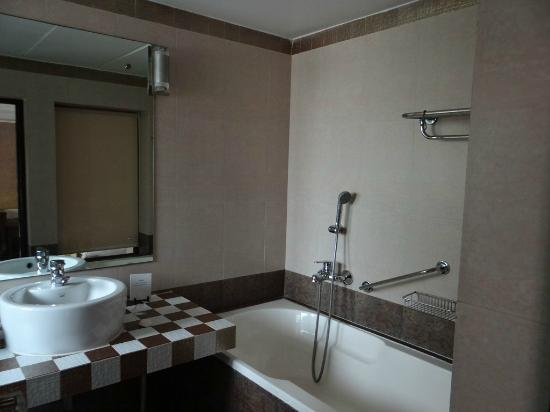10 Calangute: bathroom