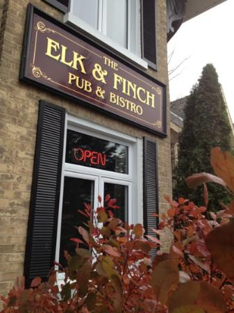 Elk & Finch Coffee Pub: Dropped by just for coffee