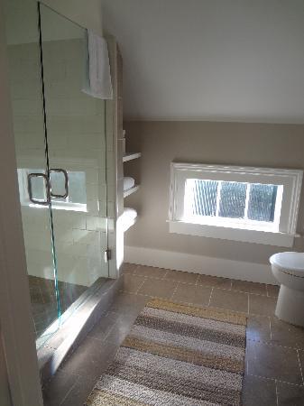 Inn on Randolph : Walker room bathroom