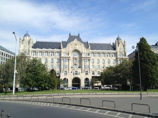 Four Seasons Hotel Gresham Palace: The Hotel Gresham Palace, Budapest